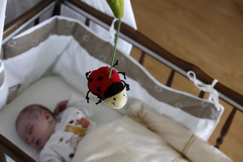 Bettumrandung Babybett: Das solltest Du wissen