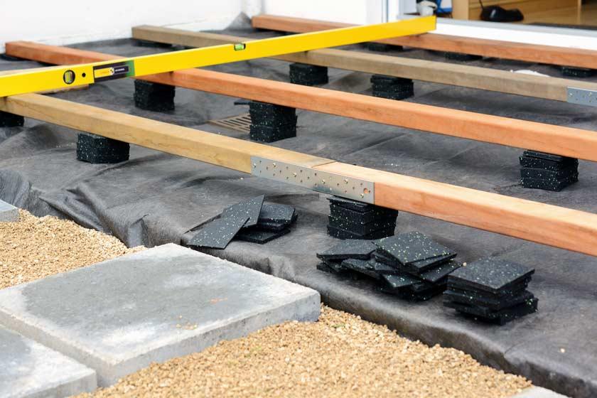 Bautenschutzmatte beim Bau eine Terrasse